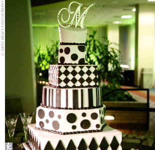 Teela and Martys cake looked festive with alternating black-and-white patterns on the tiers.