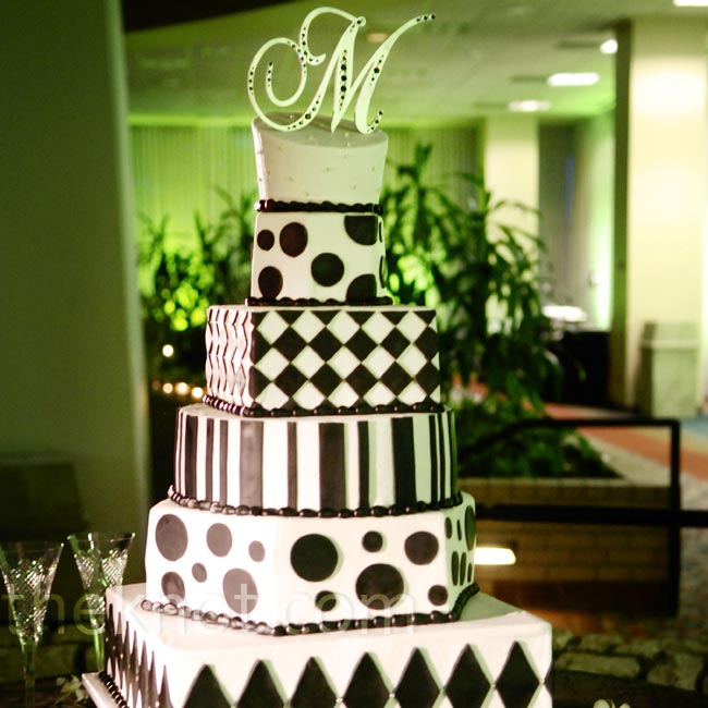 Teela and Marty's cake looked festive with alternating black-and-white patterns on the tiers.