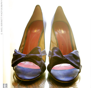 To match the wedding colors, Shannon dyed her peep-toe Kate Spade pumps navy blue.