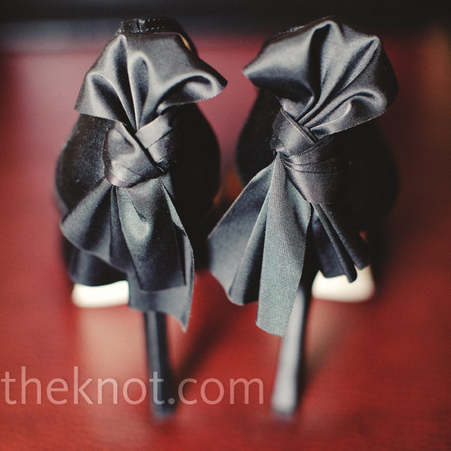 Katy fell in love with her black Badgley Mischka shoes and the sassy bow on the heels.
