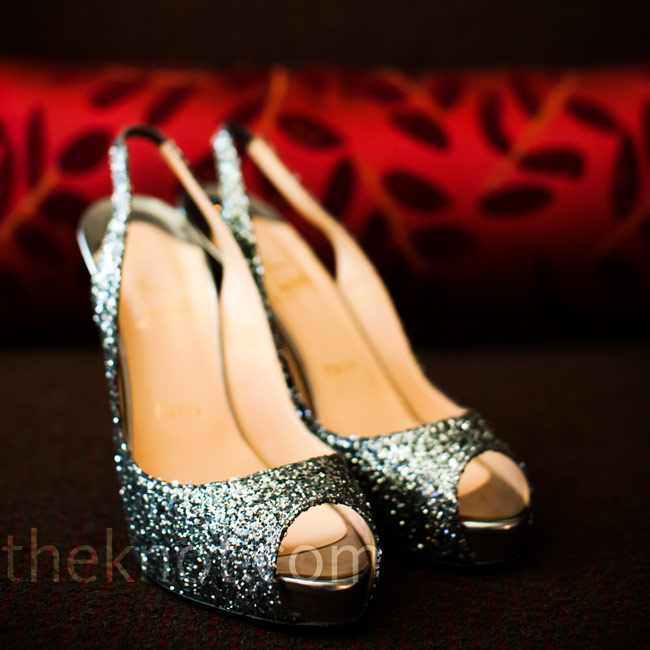 Sparkly silver slingbacks were a perfect fit for the wedding colors.