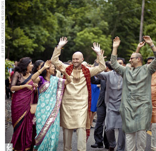 For the Hindu ceremony, Matt wore a traditional Indian sherwani from Mumbai.