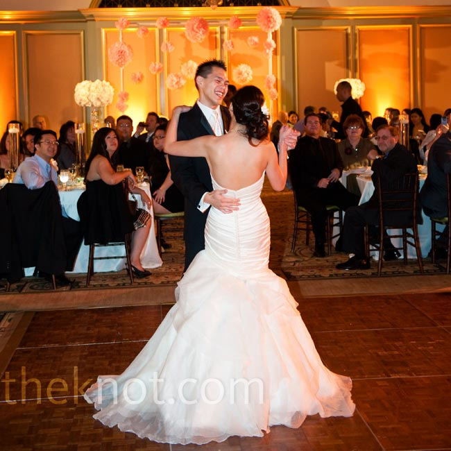 "Katherine and Terence chose Train's ""Marry Me"" for their first dance."