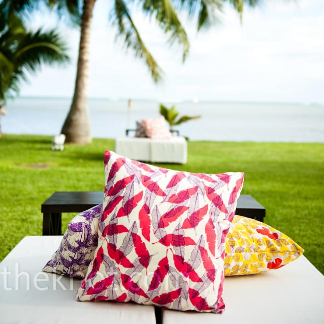 Jana designed a textile pattern with her wedding in mind and used the fabric for pillows (which cozied up the outdoor lounge areas) and table runners.