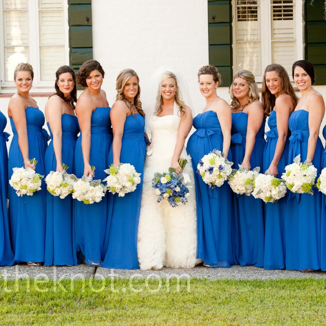 Sapphire chiffon dresses with shirred bodices were a flattering, yet comfortable choice for Amanda's bridesmaids.