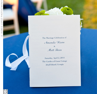 The couple went for simple and elegant with a classic navy typeface on their white, book-style programs.