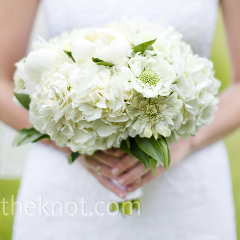 peony and sweet pea bouquet
