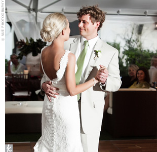 "Anna and Wright shared their first dance to ""Endless Love"" by Lionel Richie and Diana Ross."