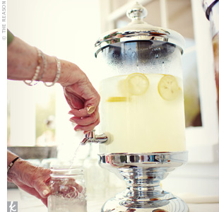 In true Southern style, Bonnie and Matthew served up lemonade in old-fashioned dispensers and used Mason jars as glasses.