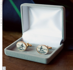 Andrew gave his each of his groomsmen a unique pair of cufflinks to fit their different styles.