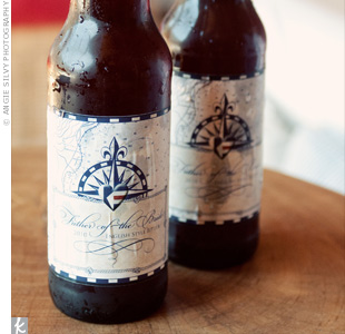Custom, nautical-themed beer bottle labels were a fun touch.