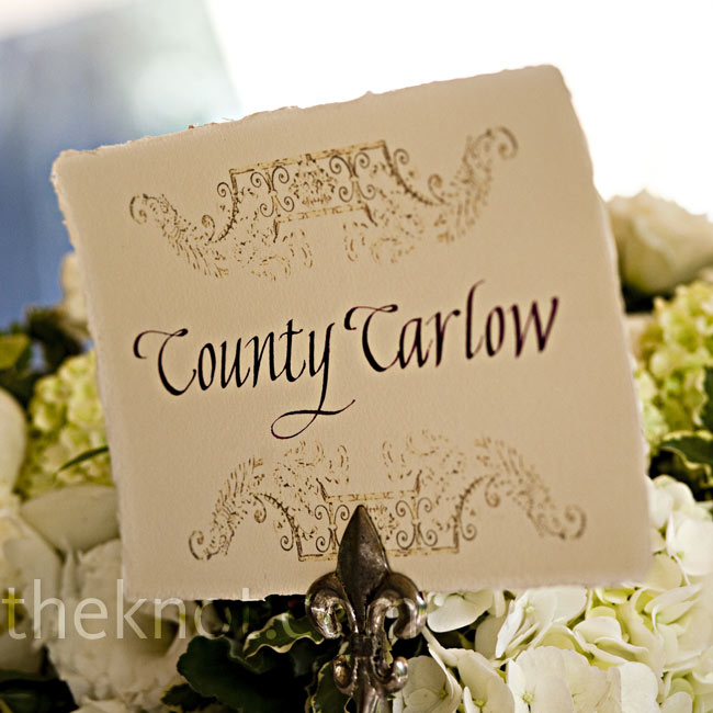 As a nod to their heritage, Jillian and Sean named the tables after Irish counties guests' families were from.