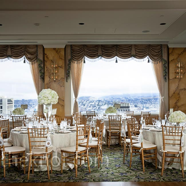 To complement the Crown Room's existing pastel décor, Vy and Leonard went with neutral table settings.