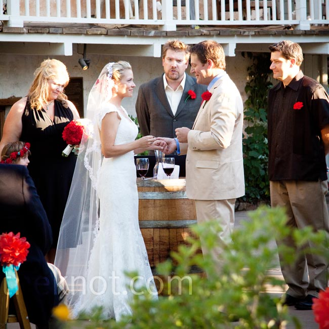 A wine barrel marked the spot where Eileen and Justin stood for the outdoor ceremony.