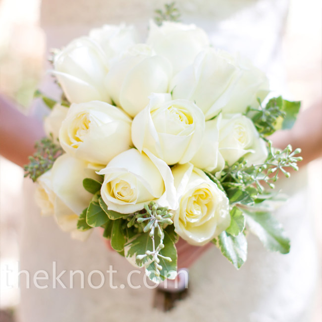 For a bouquet that looked just-picked from a garden, Jenna carried white roses with eucalyptus leaves.