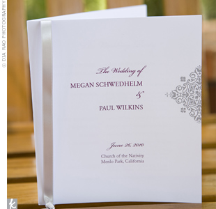 Wanting all of the paper elements to be consistent, Megan and Paul made the programs match their invitations exactly.