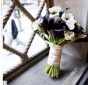 A mix of black calla lilies and white anemonesprovided dramatic contrast in Allisons bouquet.
