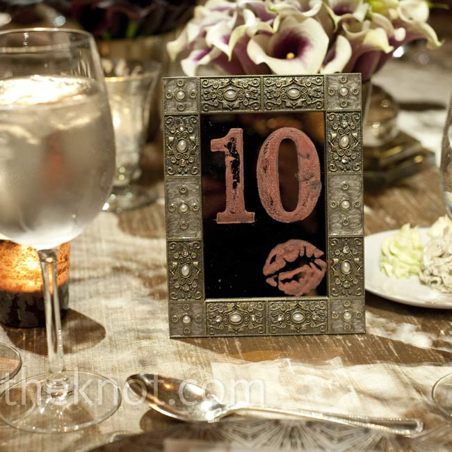 For the table numbers, Allison used vintage-style frames with mirrors 