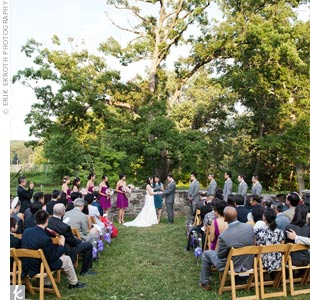 Minhee and Andy exchanged vows outside in front of a towering tree.