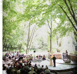 The tiered seating of the outdoor chapel added an intimate vibe to the enchanted garden setting.