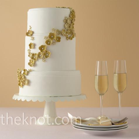 Gold Modern Floral Cake