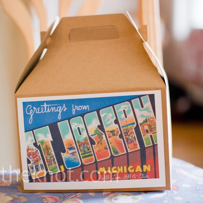 To-go boxes decorated with colorful postcards welcomed guests to the destination wedding (both families are Chicago-based).