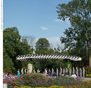 Elyse and Bill fell in love at the botanical gardens, so it only made sense to hold their ceremony there.