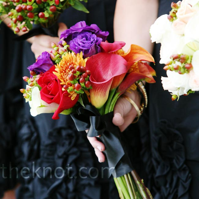 The bridesmaids carried unique arrangements of flowers, each representing the different stages of fall's leaves and changing colors.