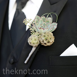 To help him stand out, Randy wore an oversize boutonniere of scabiosa pods, looped grass and a succulent.