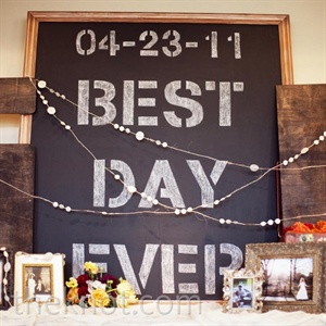 """Best Day Ever"" became a theme of the day, making appearances on signs and stationery."