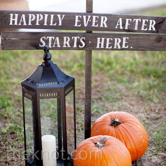 This charming wooden sign greeted guests on their way into the ceremony.