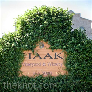 Jessica and Richard loved that Haak Vineyards & Winery in Santa Fe felt secluded, but was only an easy 20-minute drive from Galveston.