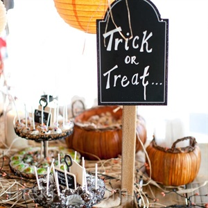 Halloween-Themed Dessert Bar