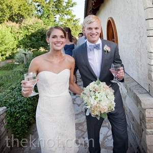 Sarah loved the way her lace gown&#39;s structure and fit flattered her figure.