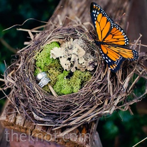 Bird's Nest Ring Pillow
