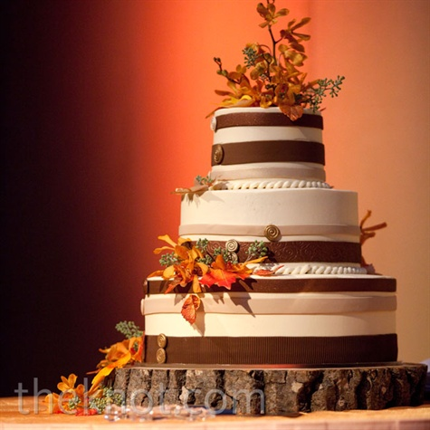Fall-Themed Wedding Cake