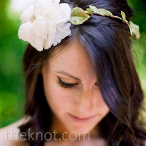 Instead of a veil, Katie wore a floral-and-vine headband.