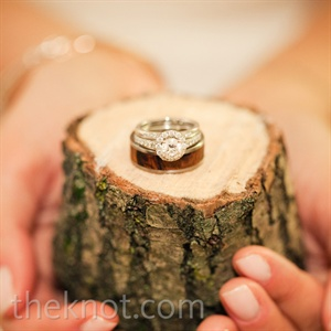 The couple's love of wooden details (Katie's dad owned a flooring company) even translated to Jordan's ring.