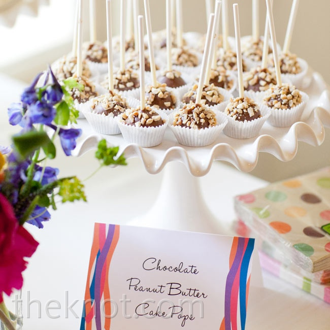 In addition to cake, the couple served chocolate peanut butter cake pops.