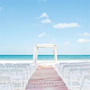 Simple Beach Ceremony Decor