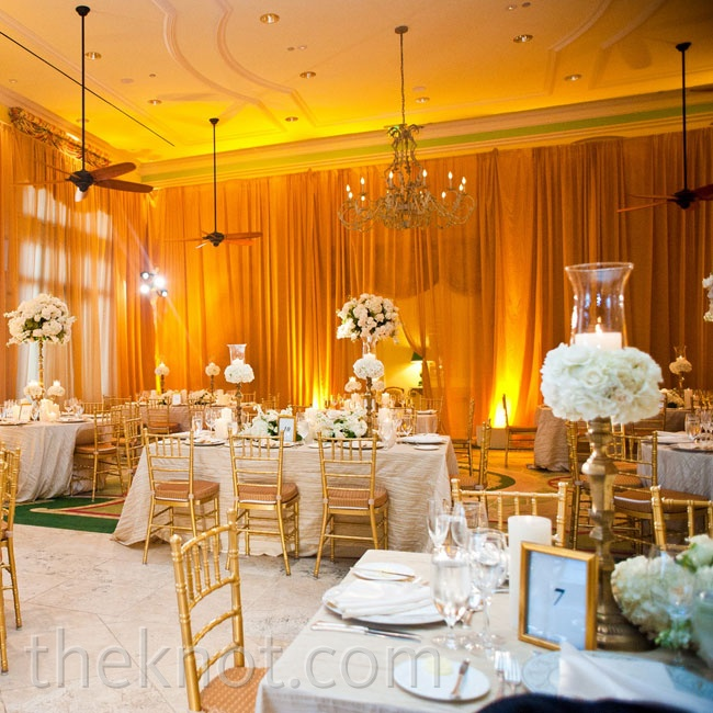 A mix of round and rectangular tables added interest.