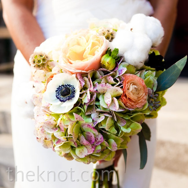 Whole cotton bolls were a soft, southern-inspired surprise to Rachel's texture-rich arrangement.
