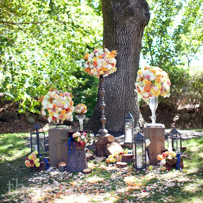 The wedding began on a natural note with an eclectic ceremony setup of mixed vases, lanterns and scattered rose petals.