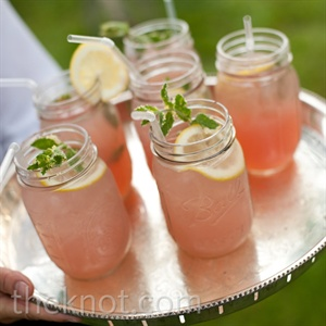 Lovebird Lemonade, a grown-up version of pink lemonade (ahem, with vodka), was served in Mason jars during the cocktail hour.