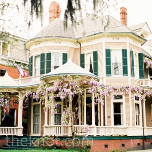 The quaint charm of Savannah in the spring provided the ideal setting for the couple's sophisticated wedding.