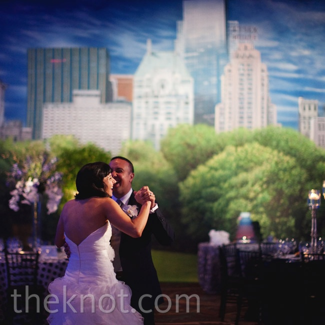 The New York City theme was most evident in the wall-size backdrop depicting Central Park.