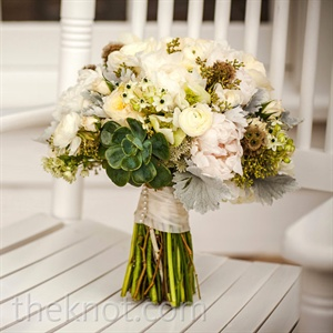 Everything about the bouquet, from the exposed stems to the organic mix of succulents, peonies, and dusty miller, had the natural feel Sophie wanted.