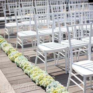 Yellow and Blue Ceremony Decor