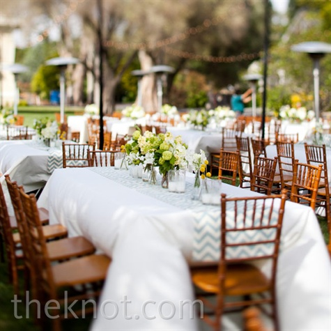 Blue and White Reception Décor