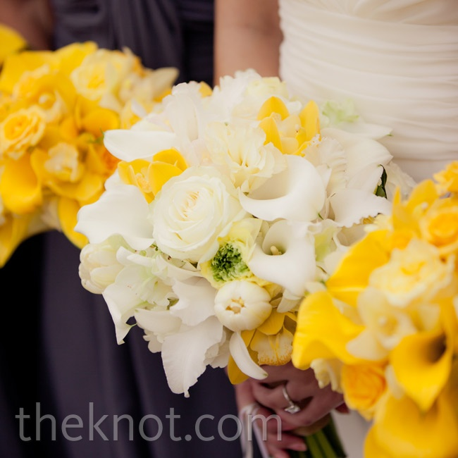 For a brilliant contrast, the bridesmaids carried yellow calla lilies next to Tram's white lilies, hydrangeas and orchids.